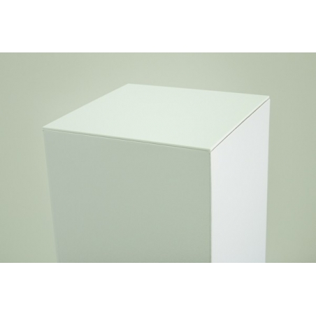 Plaque 4 mm en plexiglas blanc, dimensions 45,2 x 45,2 (pour des socles en carton)